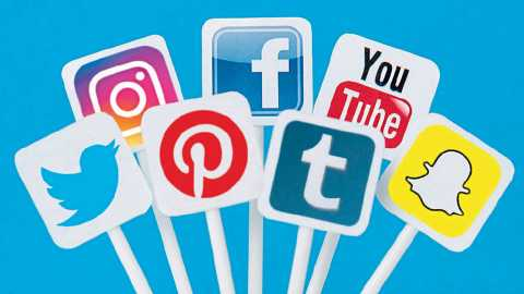 A look at the election administration on social media | सोशल मीडियावर निवडणूक प्रशासनाची करडी नजर