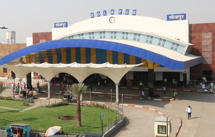 Solapur railway station number one in sanitation survey | स्वच्छता सर्वेक्षणात सोलापूर रेल्वे स्थानकाचा प्रथम क्रमांक