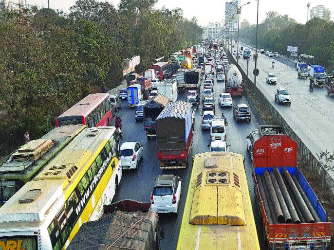 Sion-Panvel became Highway of Problems, Trafficking afflicted passenger | सायन-पनवेल बनला समस्यांचा महामार्ग, वाहतूककोंडीमुळे प्रवासी त्रस्त