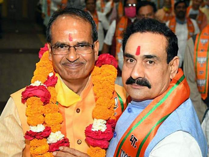 Shivraj Singh's chair in danger? Home Minister Narottam Mishra suddenly left for Delhi   शिवराजसिंहांची खुर्ची धोक्यात? गृहमंत्री नरोत्तम मिश्रा अचानक दिल्ली रवाना