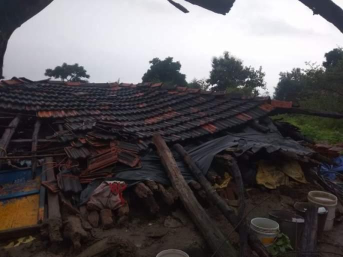 Gadchiroli district collapses three houses; No harm | गडचिरोली जिल्ह्यात अतिवृष्टीने तीन घरं कोसळली; जिवीतहानी नाही