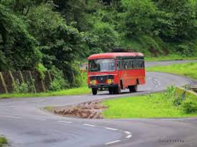 Due to the closed ghat road bhor st department loss of 35 thousands | बंद घाटामुळे रोज भोर एसटी आगाराला ३५ हजारांचा तोटा