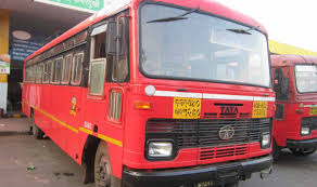 After you, the bus driver took the driver away and took the bus forward | हमरी-तुमरीनंतर बस चालकाने वाहकास सोडून एस़टी पुढे नेली