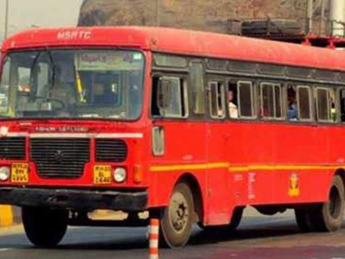 Delay in bus service due to lack of managers | व्यवस्थापकांच्या दुर्लक्षामुळे बससेवेला विलंब