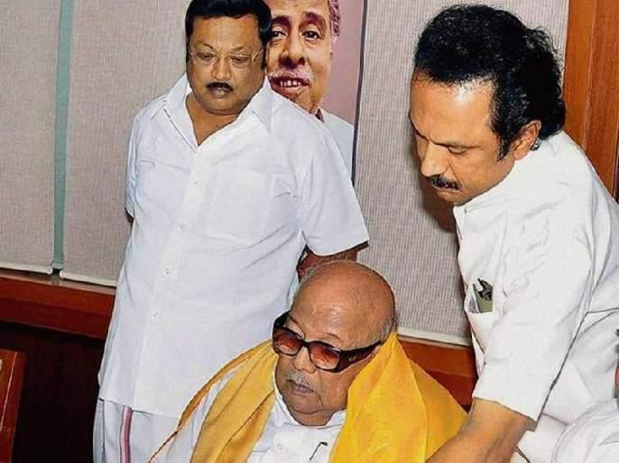Who is the successor of Karunanidhi? alagiri said the real dmk cadre supports me | करुणानिधींचा उत्तराधिकारी कोण? डीएमकेमध्ये गृहकलहाला सुरुवात