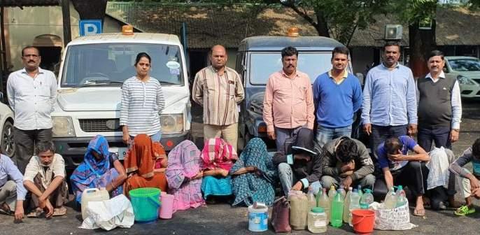 Raids by Excise Department: १३ liquor sellers arrested   उत्पादन शुल्क विभागाकडून छापेमारी: १३ दारू विक्रेते गजाआड