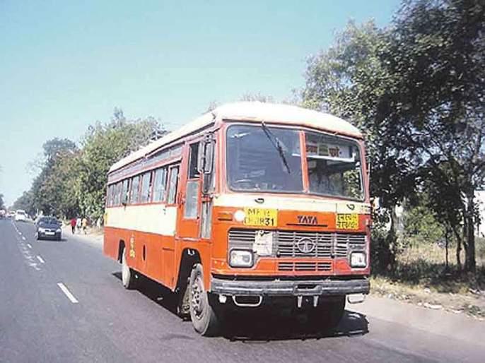 ST suffered a loss of Rs 800 crore   एसटीला झाला आठशे कोटींचा तोटा