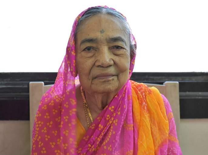 Former state minister Satish Patil's mother passed away, today will be funeral in parola | माजी राज्यमंत्री सतीश पाटील यांना मातृशोक
