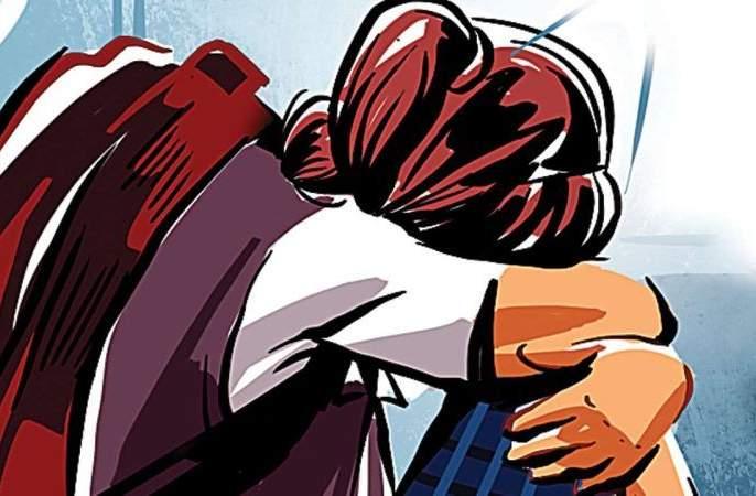Minor girl abused by teacher in Nagpur   नागपुरात शिक्षकाने केला अल्पवयीन विद्यार्थिनीवर अत्याचार