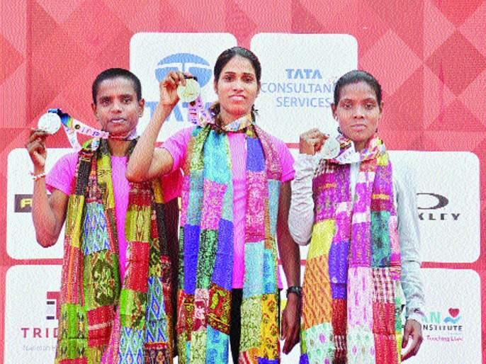 Mumbai Marathon 2019: Sudha Singh's hat-trick among Indian women | Mumbai Marathon 2019 : भारतीय महिलांमध्ये सुधा सिंगची हॅट्ट्रिक