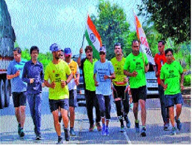 Sophia's welcome to Sangli -: Runs from Srinagar to Kanyakumari; Message of peace | सुफियाचे सांगलीत स्वागत - : श्रीनगर ते कन्याकुमारीपर्यंत धाव; शांततेचा संदेश