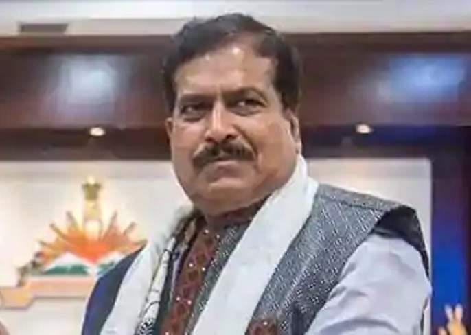 Suresh Angadi will be cremated in a state funeral in Delhi | सुरेश अंगडी यांच्यावरदिल्लीत शासकीय इतमामातहोणार अंत्यसंस्कार