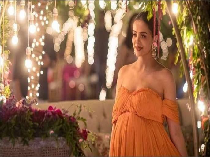 Surveen Chawla Welcomes Baby Girl With Husband Akshay Thakker, Posts First Photo of Their Newborn | सुरवीन चावलाच्या घरी नव्या पाहुण्याचं आगमन, सोशल मीडियावर अभिनंदनाचा वर्षाव