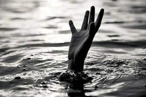 Married spouse commits suicide because of ambiguity | माहेरी आलेल्या विवाहितेची रंकाळ्यात आत्महत्या, कारण अस्पष्ट