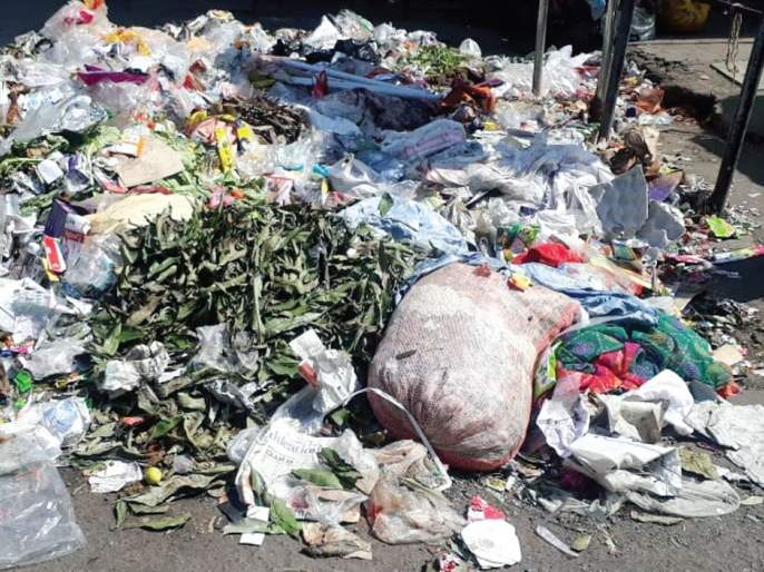 The waste empire in Mira-Bhayander; Late pick up because no classification occurs | मीरा-भाईंदरमध्ये कचऱ्याचे साम्राज्य;वर्गीकरण होत नसल्याने उचलण्यास उशीर