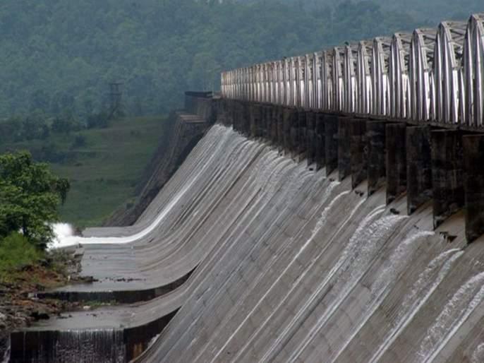54 percent water storage in lakes supplying water to Mumbai | मुंबईला पाणीपुरवठा करणाऱ्या तलावांमध्ये ५४ टक्के जलसाठा जमा