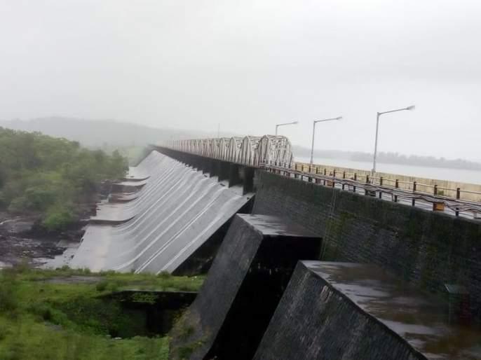 The news of the good news for the Mumbaiites, the overflowing four dams overflow | Video - मुंबईकरांसाठी आनंदाची बातमी, पाणीपुरवठा करणारी चारही धरणं ओव्हरफ्लो