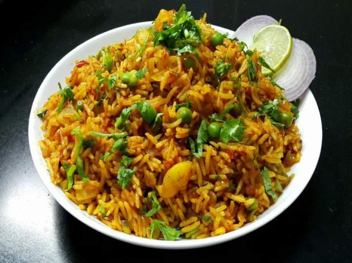 recipe of restaurant style fast food Tawa Pulao | हॉटेलपेक्षा टेस्टी आणिभारी ; तवा पुलाव बनवा घरच्या घरी