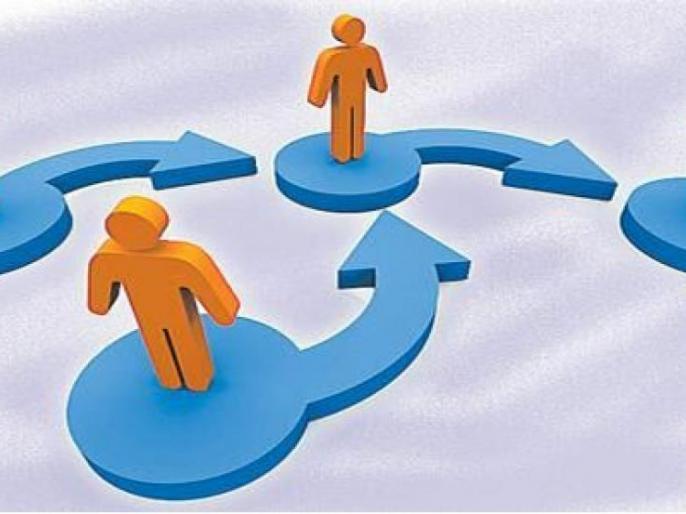 It is important to be a seniority in spouse and family | पती-पत्नी एकत्रीकरणात सोईऐवजी सेवाज्येष्ठता ठरणार महत्त्वाची