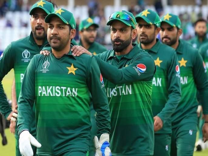 India vs Pakistan World Cup 2019: Former cricketers sneaky against Pakistan team   India Vs Pakistan World Cup 2019: माजी खेळाडूंची पाक संघावर सडकून टीका