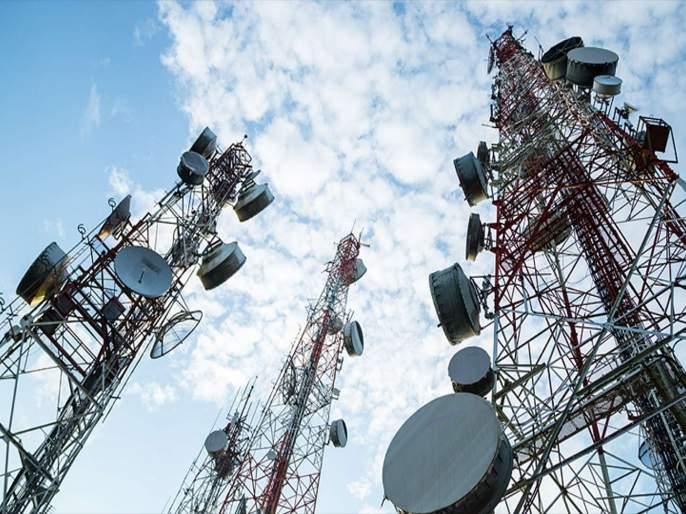 Telecom companies order to collect Rs 1.47 lakh crore by 12 pm | रात्री 12 वाजेपर्यंत सरकारकडे 1.47 लाख कोटी जमा करण्याचे टेलिकॉम कंपन्यांना आदेश