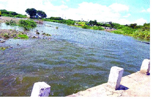 Until the tambu water is available, the villages in the village are dry | टेंभूचे पाणी सांगोल्यापर्यंत, आटपाडीतील गावे कोरडीच -: पाणी कधी मिळणार
