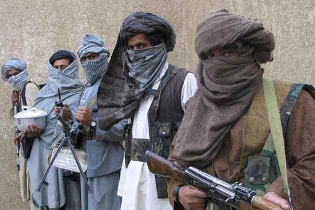 Coronavirus: threat of 'corona terrorism' in Kashmir by Pakistani army and terrorists pnm | Coronavirus: काश्मीरमध्ये 'कोरोना दहशतवादा'चा धोका; पाकिस्तानी सैन्य आणि दहशतवाद्यांचं मोठं षडयंत्र