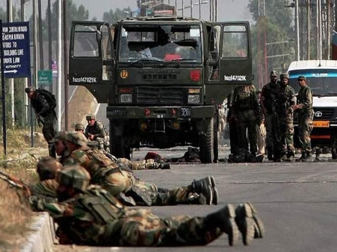 Four terrorists killed in Kashmir   काश्मीरमध्ये चकमकीत चार अतिरेक्यांचा खात्मा
