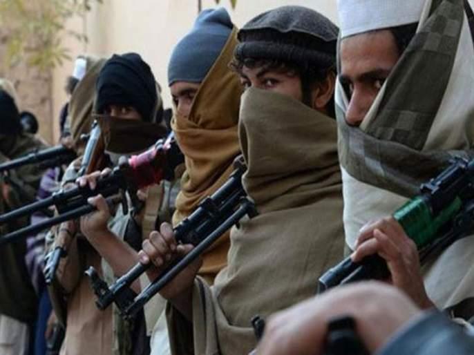 Give up arms and talk Jammu Kashmir Governor Satya Pal Malik invites militants for dialogue | 'दहशतवाद्यांनो; शस्त्र सोडा, माझ्याकडे भोजनाला या'