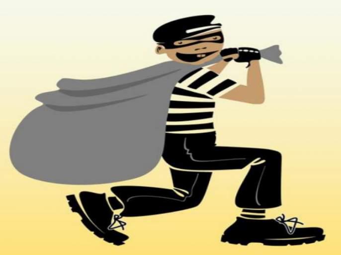 Three lakh rupees were looted from a trader in Jalna | जालन्यातील व्यापाऱ्याचे तीन लाख रुपये लुटले