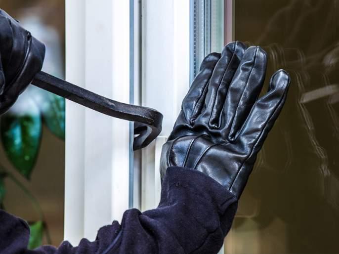 Arrested theft gang and 25 offenses to be opened | घरफोड्या करणाऱ्यासराईत टोळीला अटक; २५ गुन्हे उघडकीस