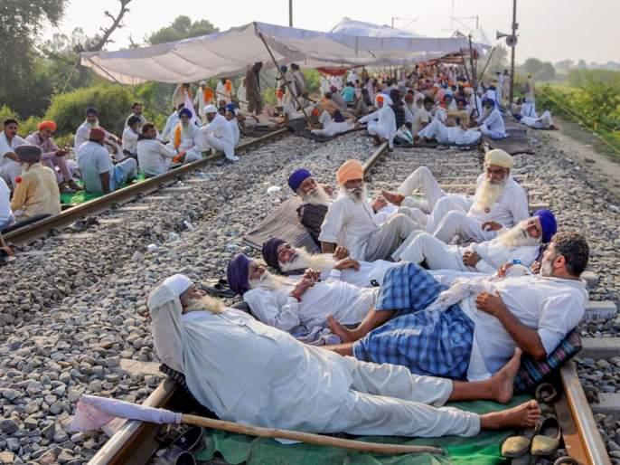 Violent protests by farmers against agricultural laws | कृषी कायद्यांविरोधात शेतकऱ्यांची उग्र निदर्शने