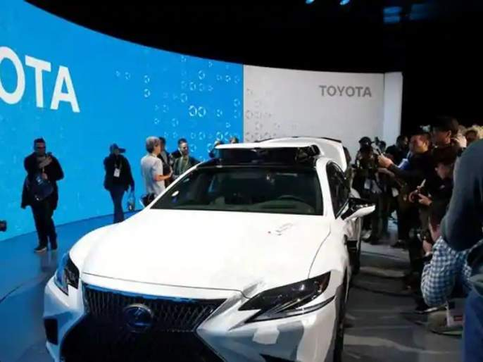 CES 2019 Toyotas new safety tech Guardian can take over car when human driver becomes drowsy distracted | टोयोटाची नवी कार ठरणार आपल्या कुटुंबाची 'गार्डियन'