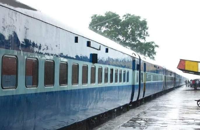 More special trains for Mumbai, Pune and Ahmedabad | मुंबई, पुणे, अहमदाबादसाठी आणखी विशेष रेल्वे गाड्या