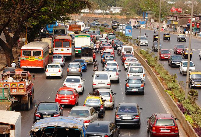 Unlock 2: Using even odd rules for vehicles will avoid traffic jams | Unlock 2: वाहनांसाठी सम विषम नियम वापरला तर वाहतूक कोंडी टळेल