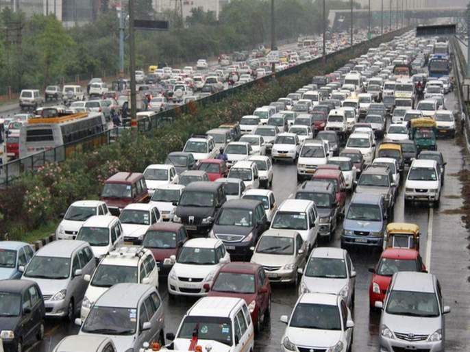 Travel costs 5 percent extra time; Traffic congestion hits Mumbai | प्रवासात खर्च होतो ६५ टक्के अतिरिक्त वेळ; मुंबईकरांना वाहतूककोंडीचा फटका