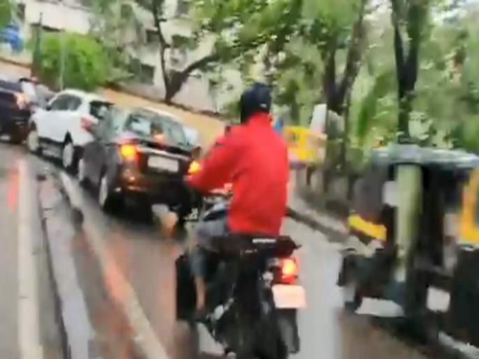 Actor Jitendra Joshi tweeted a video of mannerless driver who are breaking traffic rules | अभिनेता जितेंद्र जोशीने बेशिस्त वाहनचालकांचा व्हिडीओ केला ट्विट