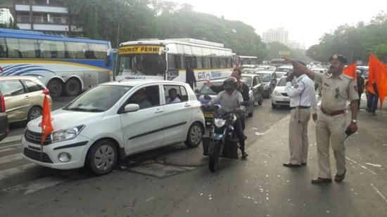 An army of 40 teachers from Ulhasnagar will impart self-discipline lessons to motorists | उल्हासनगरच्या ४० शिक्षकांची फौज वाहन चालकांना देणार स्वयंशिस्तीचे धडे