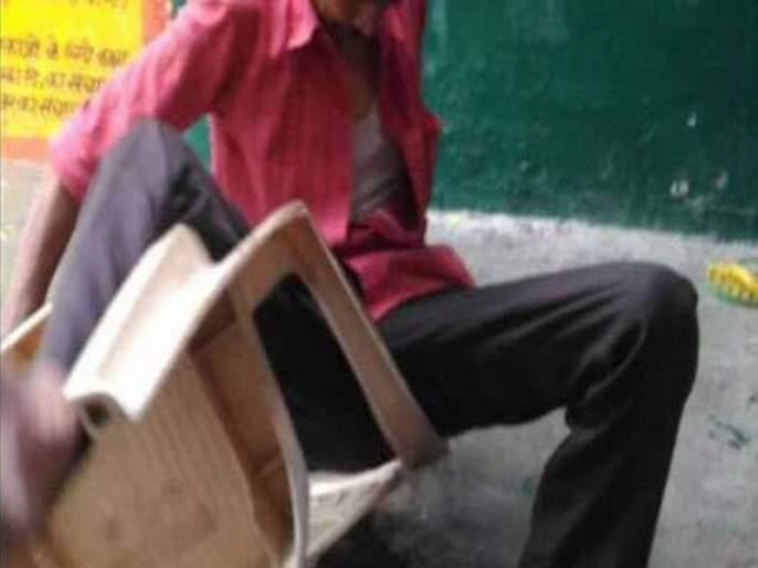 Three drunk teachers suspended, drunk at school in gadchiroli   तीन दारुडे शिक्षक निलंबित, मद्यप्राशन करुन शाळेतयायचे गुरुजी