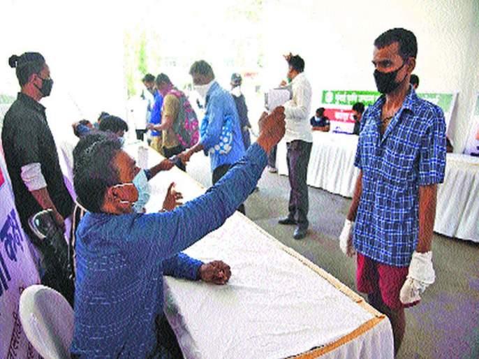Half a century of corona victims; Navi Mumbaikar worried as prevalence continues to rise | CoronaVirus News: कोरोना बळींचे अर्धशतक; प्रादुर्भाव वाढतच असल्याने नवी मुंबईकर चिंतित