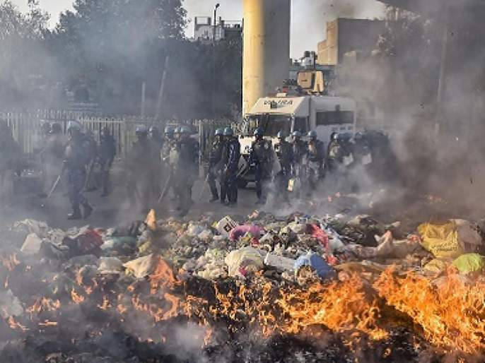 delhi riots ankit sharms brother made alligation that crowd who killed his brother was chanting jai shree ram | 'आयबी'च्या अंकित शर्मावर हल्ला करणारे देत होते, 'जय श्रीराम'चे नारे; भाऊ अंकूर शर्माचा दावा