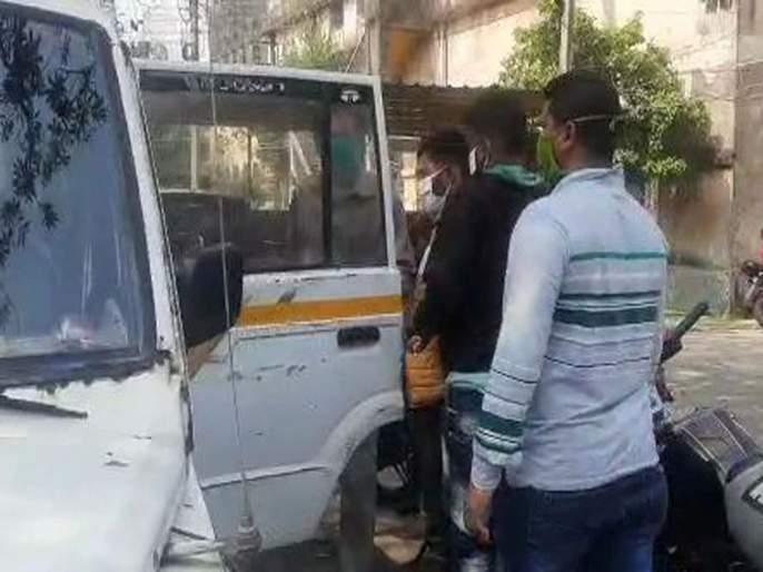 Raping 66 women two arrested west bengal police custody cell phone recovered microchips containing pictures   तब्बल ६६ जणींवर केला बलात्कार, महिलांना असं ओढायचा जाळ्यात, खुद्द पीडितेनंच सांगितली 'आपबीती'