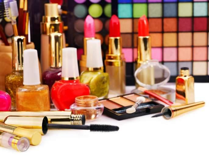 know the benefits of sex proof makeup | अनेक महिलांच्या चर्चेत असणारा सेक्स-प्रूफ मेकअप, जाणून घ्या कसा आहे...