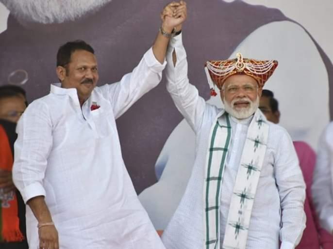 Maharashtra Election 2019: Udayanraje Bhonsle explains the reason of leaving NCP | Maharashtra Election 2019 : ...म्हणून मी निवडून आल्यावर लगेच राष्ट्रवादीची खासदारकी सोडली; उदयनराजेंनी सांगितलं कारण