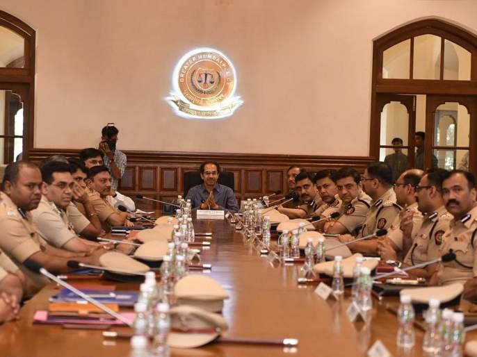 Chief Minister Uddhav Thackeray held a meeting with Police Commissioner, Sanjay Barve | मुख्यमंत्री उद्धव ठाकरे यांची पोलीस आयुक्तांसोबत चर्चा, मुंबईच्या सुरक्षेचा घेतला आढावा