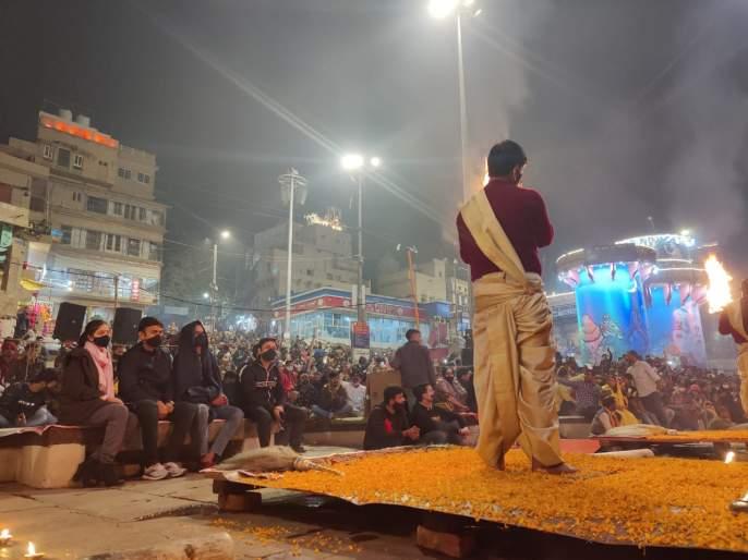 He is currently immersed in Kashi-Banaras, Shikhar Dhawan took Ganga Aarti Anand | तो सध्या काशी-बनारस फिरतोय, टीम इंडियाचा गब्बर गंगा आरतीत तल्लीन