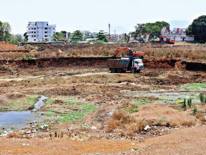 Cleanliness of Mud lake through public participation   लोकसहभागातून वडवली तलावाची स्वच्छता