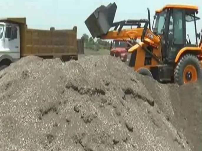 300 crore sand stolen from Chalisgaon taluka | चाळीसगाव तालुक्यातून ३०० कोटीची वाळू चोरी