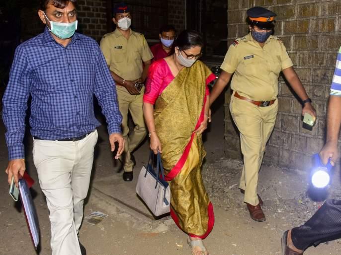After the summons, Sanjay Raut's wife returned the money   समन्सनंतर संजय राऊत यांच्या पत्नीने 'ते' पैसे केले परत