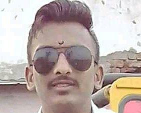 youth drowned in Koyana river at the time of immersion | विसर्जनासाठी गेलेला युवक कोयना नदीपात्रात वाहून गेला